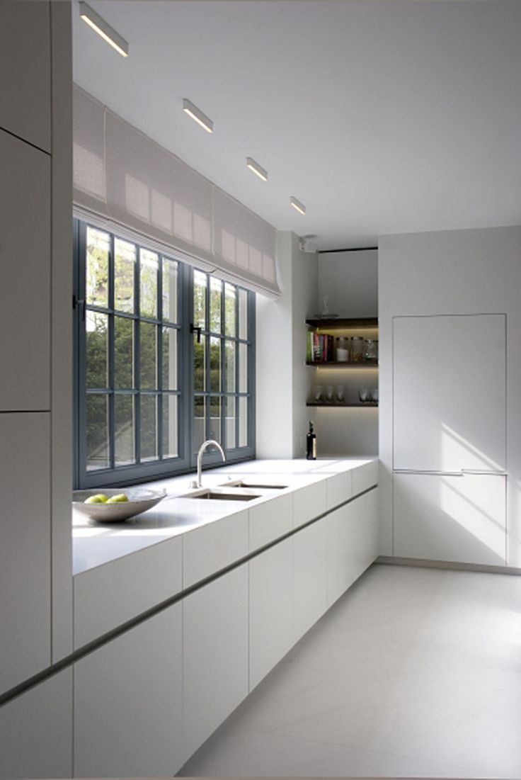 Kitchen in a Belgian holiday home by Glenn Reynaert - Photo by Hendrik Biegs