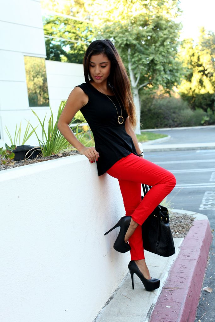 FireRed Skinny, Peplum Tops, Colors Jeans, Red Jeans, Redpants, Dulce Candies, Hot Outfit, Red Black, Red Pants