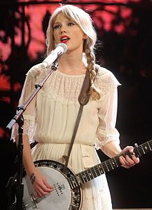 -article about Taylor Swift, American country singer.