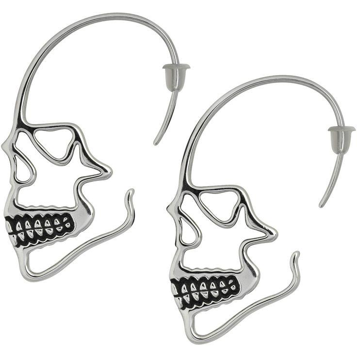 Skull Hanger Ohrring von Wildcat:  - aus Edelstahl - für Allergiker geeignet - Stabstäre ca. 1 mm - Sowohl für normale Ohrlöcher, als auch gedehnte Ohrlöcher    Wildcat hat das Geheimrezept für richtig geile Accessoires: du nimmst eine große Portion Totenköpfe, mixt sie mit festem und glänzendem Material und schüttelst beides solange, bis Ohrringe in Totenkopfform entstehen. Das Ergebnis kannst du dir dann in Form der Ohrringe Skull Hanger an die Ohren hängen und genießen.