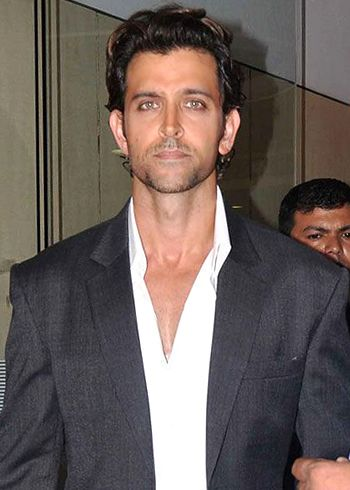 Hrithik Roshan tweeted 'I am Okay and fantastic'!