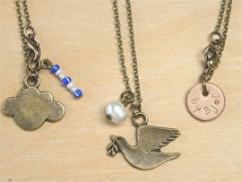 Peace bird & pearl necklace New!