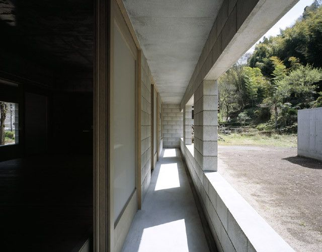 Image 17 of 24 from gallery of Silent house / Takao Shiotsuka Atelier.