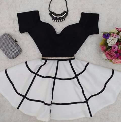 Beautiful black and white dress with sweetheart neckline
