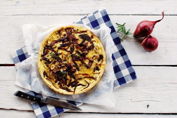 FoodLover: Cibulový koláč s karamelizovanou cibulkou