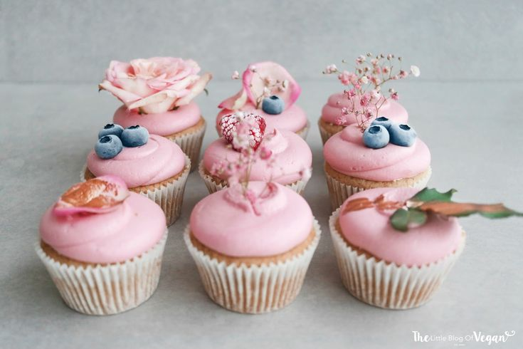 Vegan mixed berry jam filled cupcakes recipe | The Little Blog Of Vegan