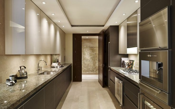 One Hyde Park, London Every apartment at One Hyde Park has a fitted Baultaup kitchen finished to the highest standards. High quality Gaggenau appliances feature throughout including in-build oven, hob, dishwasher, fridge with in-built freezer and microwave