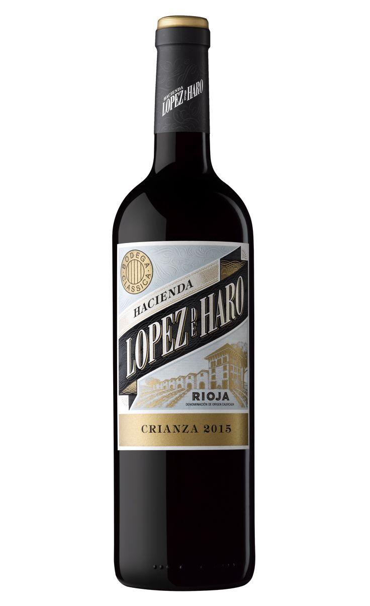 Hacienda López de Haro Crianza 2015 por sólo 6,25 € en nuestra tienda En Copa de Balón:    https://www.encopadebalon.com/es/rioja/1944-hacienda-lopez-de-haro-crianza-2015    Hacienda López de Haro Crianza 2015, elaborado con las variedades tempranillo, garnacha y graciano, procedentes de viñedos viejos de baja producción, es un vino redondo, amable y expresivo ideal para cualquier maridaje.  Bodega Classica se encuentra en el corazón de la Rioja Alta, en San Vicente de la Sonsierra, donde…