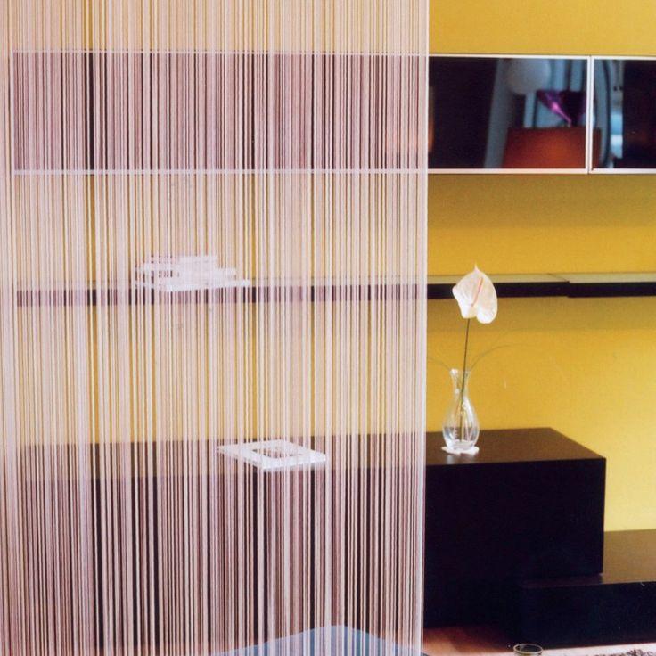 İp Perde, evlerde ve ofislede daha çok dekoratif amaçlı kullanılan dikey formunda perdelerdir. Simli ip perde, pullu ip perde, balon ip perde, düz ip perde, deri ip perde, boncuklu ip perde, sicimli ip perde ve fosforlu ip perde gibi farklı modelleri bulunmaktadır. http://www.perdeshop.com/perde/ip-perde