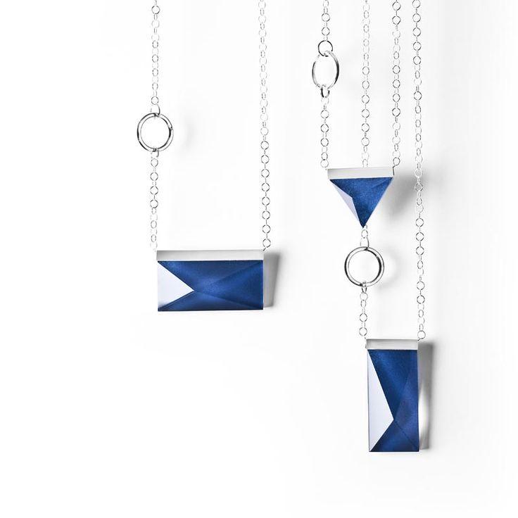 Crystal jewellery handmade at Målerås Glassworks. Design Lina Lundberg