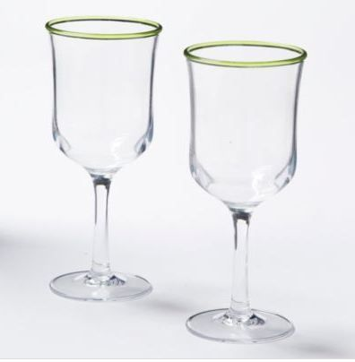 Love the coloured rims on these clear acrylic goblets!