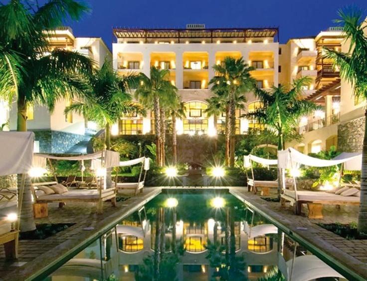 La Plantación (Tenerife)  Las playas sureñas de La Caleta y El Duque custodian este gran resort 5* Lujo, de 165 habitaciones (desde 149€). Destaca el Nammu Spa, con 2.500 m2 dedicados a circuitos termales y talasoterapia. Tél. 902 45 45 85.