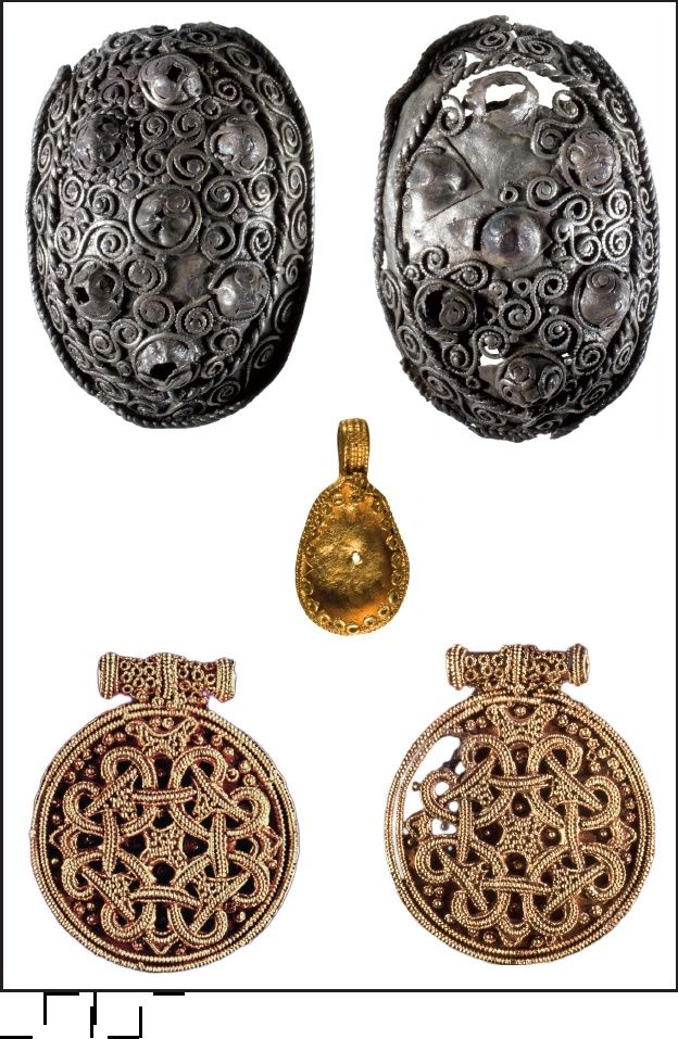 The Viking Age Graves from Hedeby | Silke Eisenschmidt - Academia.edu Hedeby, southern cemetery, eastern part. Jewelry from chamber grave 5