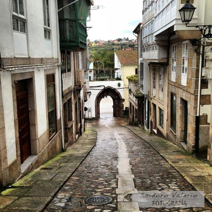 Puerta Medieval, Betanzos by Isidoro Valerio, via 500px