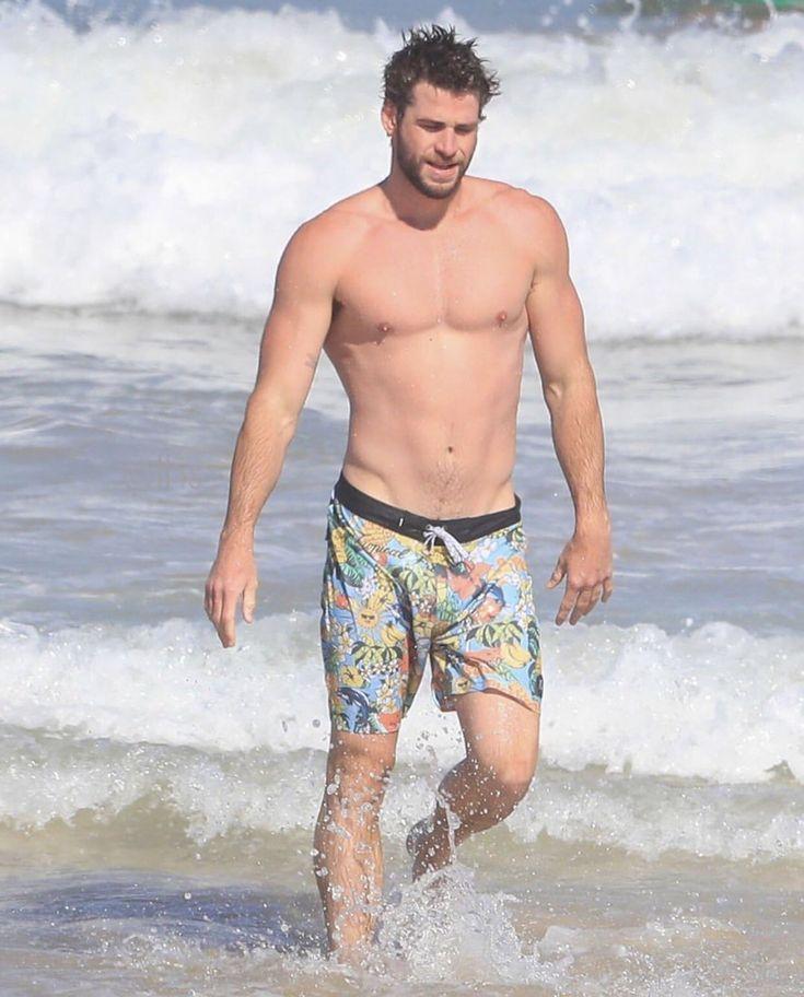 Battle Of The Bulge: Chris Hemsworth vs. Liam Hemsworth