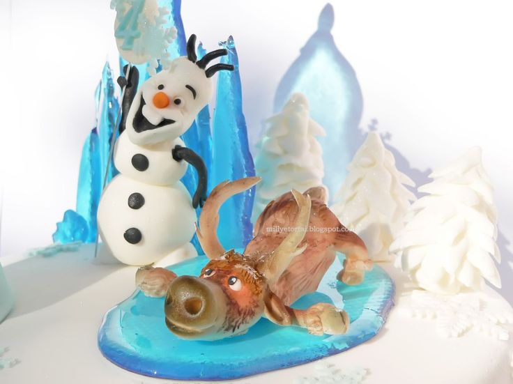 Frozen Cake. Gumpaste Swen and Olaf