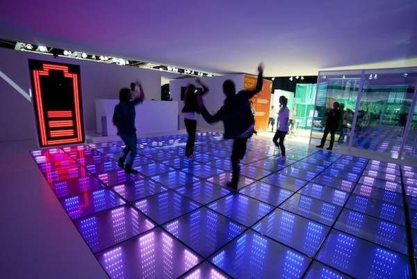 36 Illuminated Installation Captures - From Prettily Hazy Fashions to Immersively Luminous Galleries (TOPLIST)
