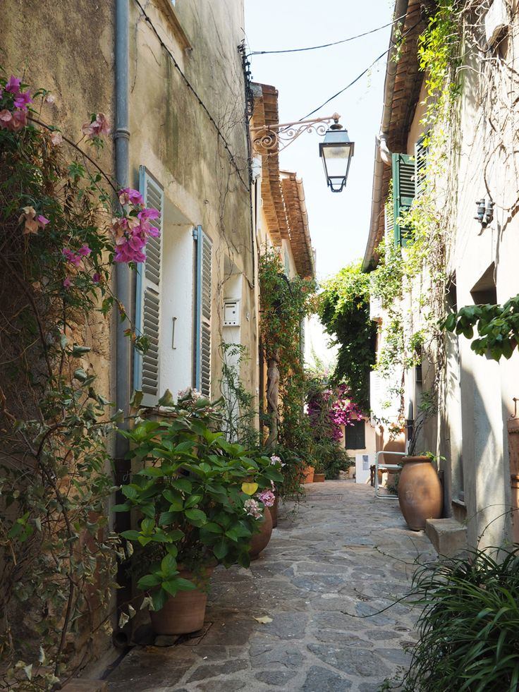 Must see in Provence – Perched village of Ramatuelle - South of France