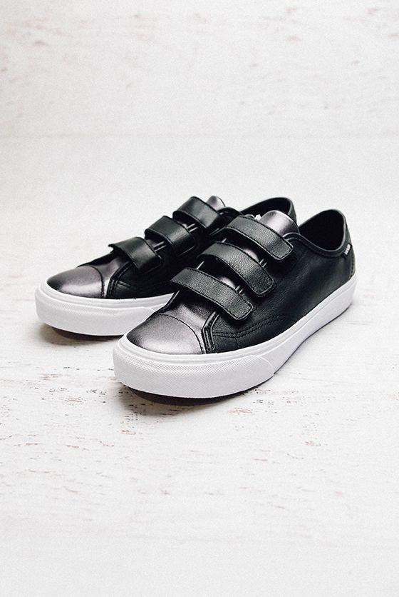 Vans 23V Leather Sneakers