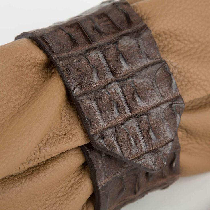 Pochette donna in pelle con inserto in coccodrillo