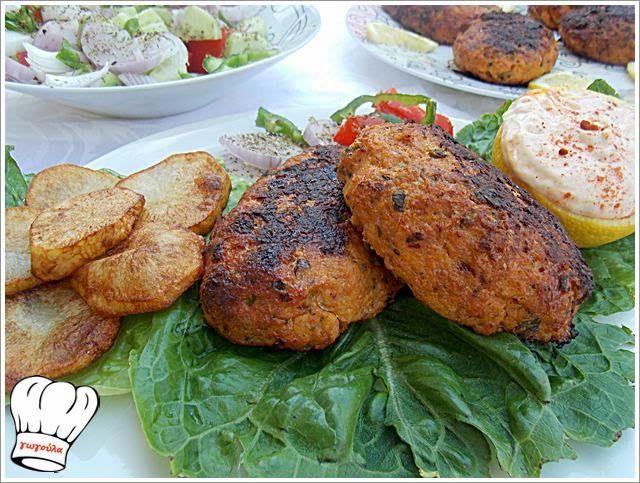 ΚΟΤΟΜΠΙΦΤΕΚΙΑ ΓΕΜΙΣΤΑ ΜΕ ΜΠΕΙΚΟΝ ΚΑΙ ΤΥΡΙ ΤΣΕΝΤΑΡ!!! | Νόστιμες Συνταγές της Γωγώς