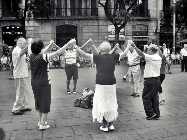 Now this is how every senior citizen should act.