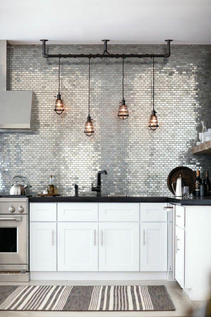 Küche Einrichten Moderne Küchenrückwand Und Weiße Küchenschränke