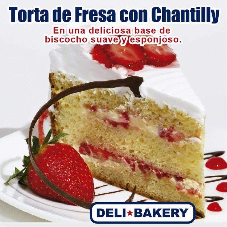 Ven y prueba nuestra riquísima Torta de Fresas con Chantilly, en una base de bizcocho suave y esponjoso.