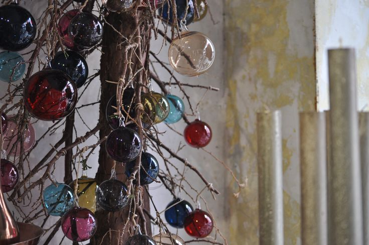 Oberfränkisches Glas: Weihnachtsbaumkugeln leicht wie Seifenblasen