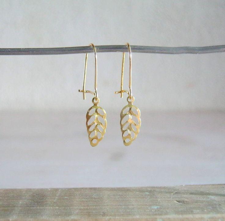 Gouden oorbelhaak filigraan
