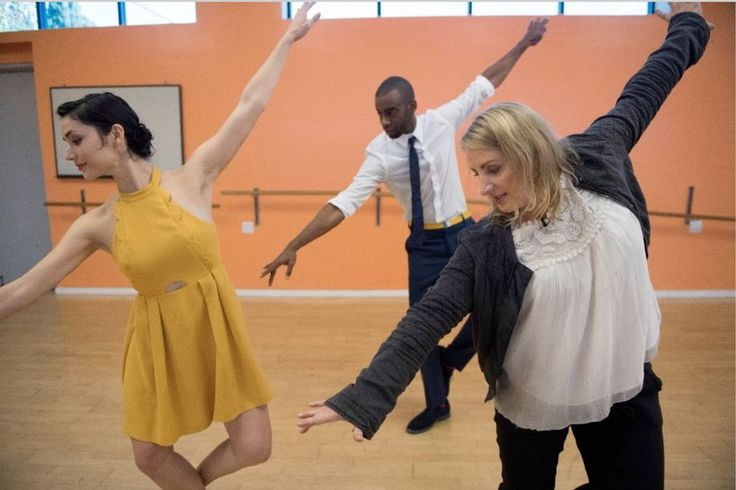 'La La Land' choreographer Mandy Moore teaches USA TODAY how to dance the way Ryan Gosling and Emma Stone do in their 'A Lovely Night' tap number.
