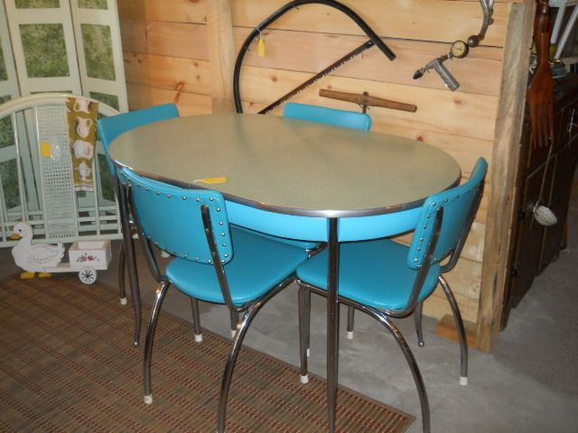Here Is An Awesome Dinette Set.