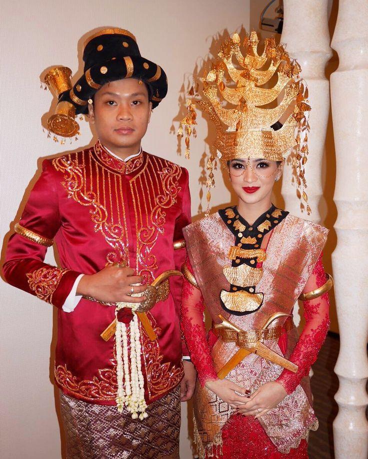 773215ba21741fe5f695f1605b174932 pernikahan the bride
