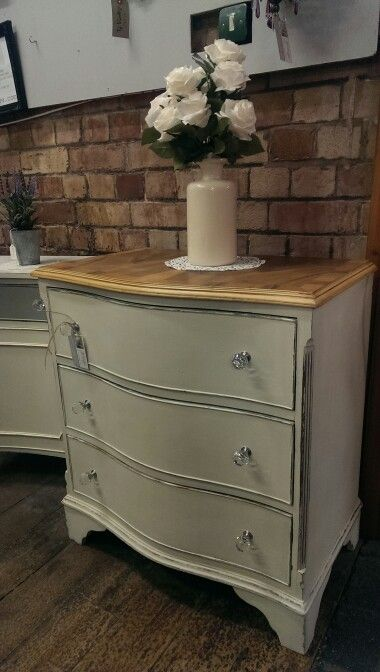 Lovely serpentine 3 drawer chest, back to the wood top with the base hand painted using ASCP, £145