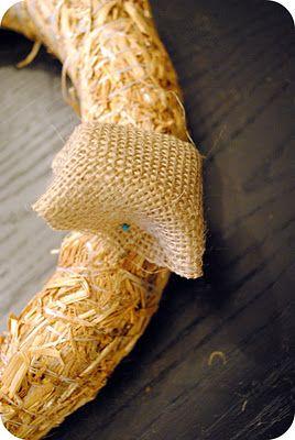 "burlap ""bubble"" wreath tutorial on a straw wreath"