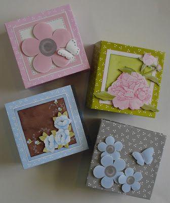 Dit zijn mapjes om theezakjes in kado te geven. Je kunt er natuurlijk ook iets anders in doen, zoals geld of snoepjes. Klik door naar het blogbericht om een foto van de binnenkant te zien. Je kunt het pakket om alle 4 de mapjes te maken ook bestellen.