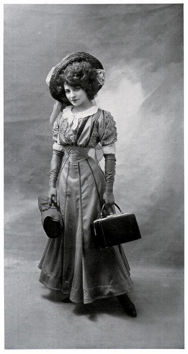 """Polaire, or Émilie Marie Bouchaud, a French actress, she had a 14"""" waist, first bobbed her hair in the 1890s, and had a nose piercing. Polaire dans La Revue du Centenaire L'Elève du Conservatoire, 9e Tableau – Le Foyer des Variétés Photographie de Paul Boyer (13,9 x 26,8 cm) Le Théâtre – Mai 1907 (1) - N° 201"""
