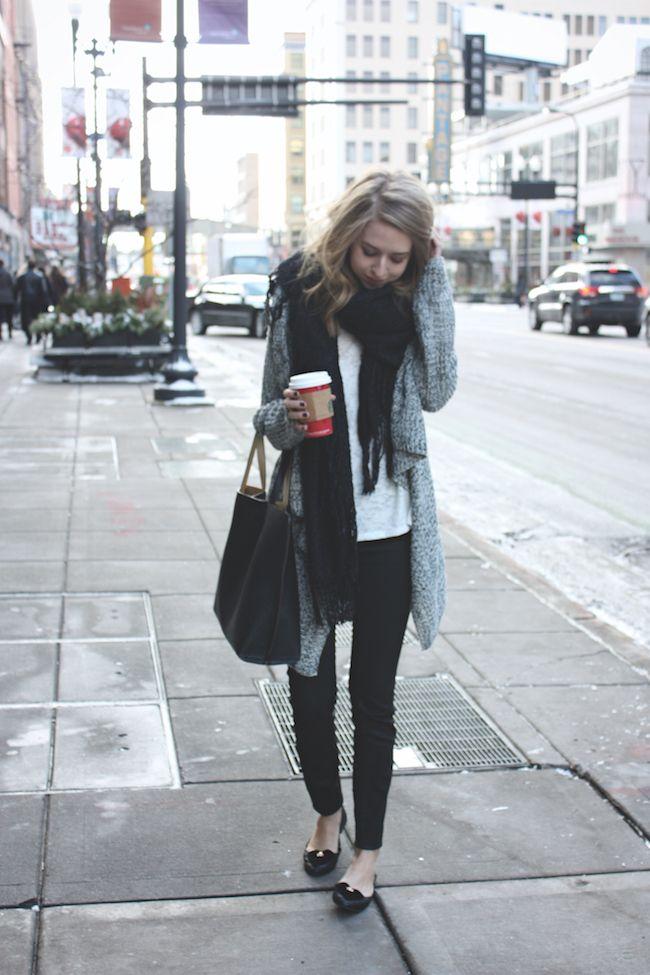 Zwarte jeans - grijze oversized vest - ballerina's - zwarte ZARA sjaal