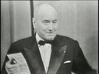 """Jean Nohain, présentateur de l'émission """"36 chandelles"""""""