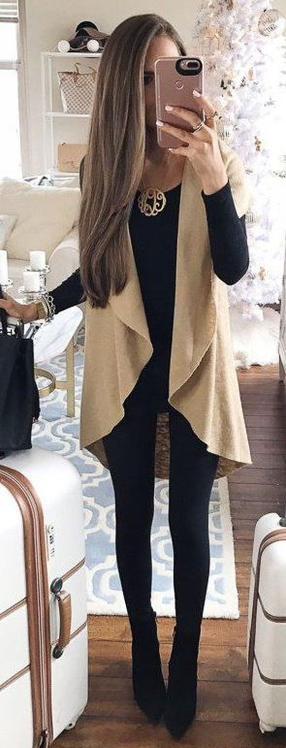 Nice 41 Cute Outfits Ideas with Leggings Suitable for Going Out on Fall. More at http://aksahinjewelry.com/2017/09/10/41-cute-outfits-ideas-leggings-suitable-going-fall/