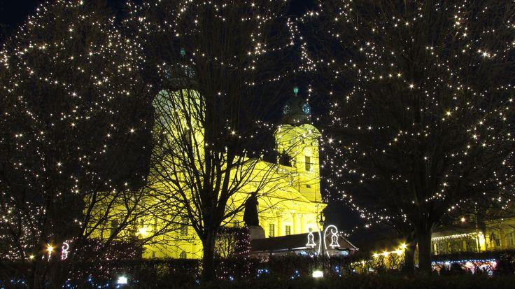 Debrecen, Nagytemplom, díszkivilágítás, Advent, Karácsony, Kossuth tér