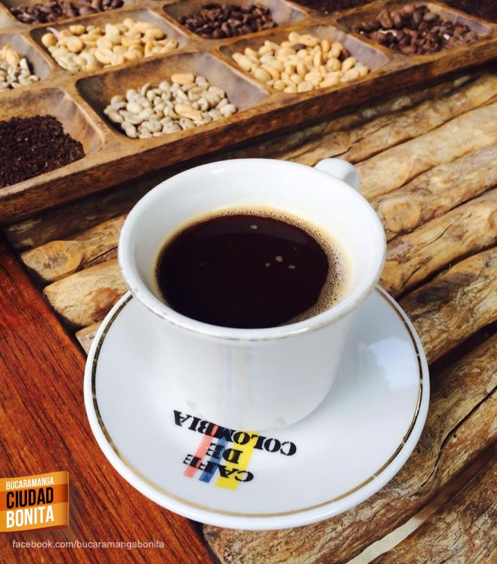 Las ventajas de vivir en Bucaramanga es poder arrancar un día frio como hoy con uno de los mejores cafés de Colombia. Gracias Reynaldo Gaona (https://www.facebook.com/ReynaldoGaonaPiamont) por compartir esta foto.