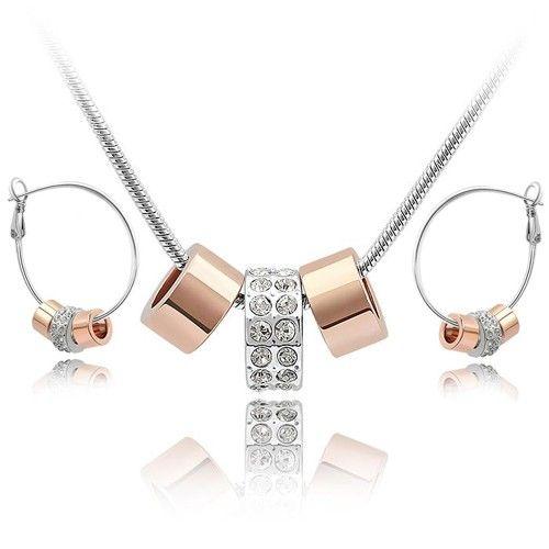 Un set modern-chic de bijuterii placate cu aur si mici cristale Stellux Swarovski cu o stralucire de exceptie - www.bodyandbijoux.ro