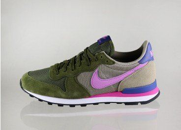 Nike wmns Internationalist (Faded Olive / Fuchsia Glow - Bamboo - Blue  Legend)