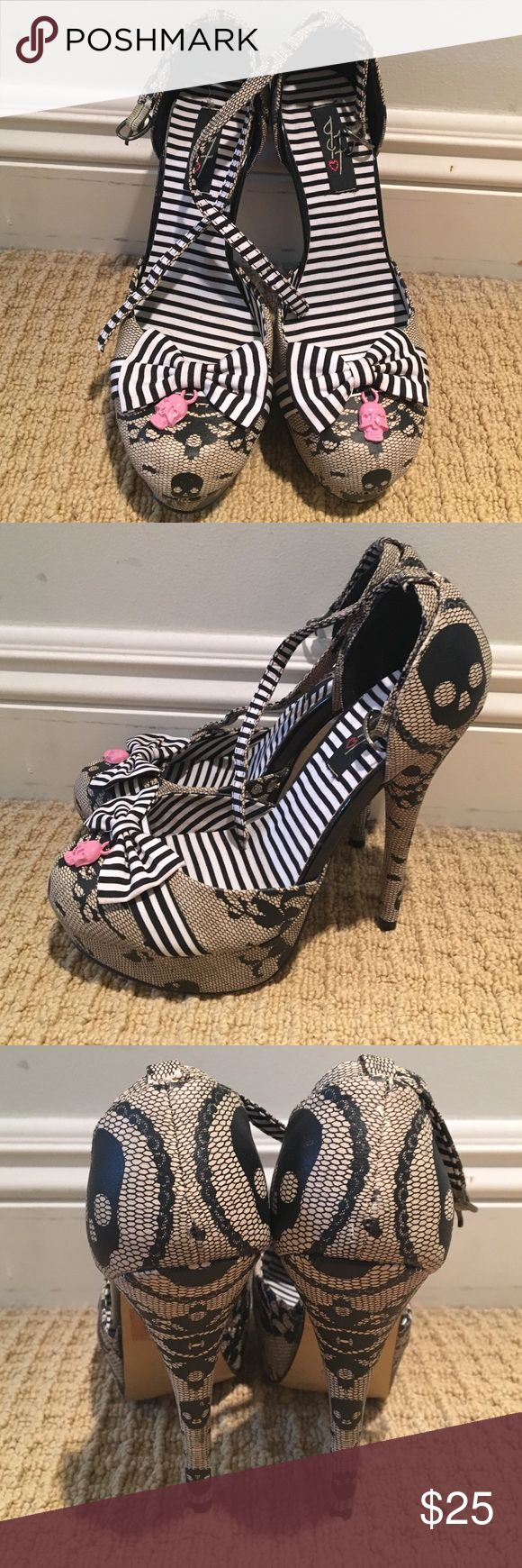 Adorable skull lace/nautical strappy heels w/bows Almost perfect condition. Bought these for myself hoping I could squeeze into a 6. Nude with black lace skulls and black/white stripes. Shoes Heels