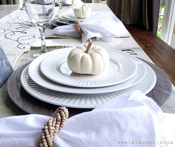Simple neutral fall table setting. Reversible, hand-lettered, canvas drop cloth table runner. One side says give thanks, the reverse says joy to the world. #diy #fall #christmas