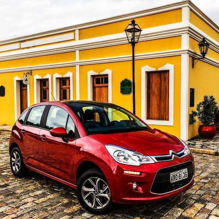 Citroën C3 Purtech 1.2 2017 Compacto premium francês chega às lojas após o 'primo' Peugeot 208 com o novo motor de três cilindros 12 L de 90 cv (etanol). Substitui o 4-cilindros 1.5 agora restrito ao Aircross. A nova unidade se destaca pelo baixo consumo de combustível com números do Inmetro quase iguais aos do 208 único com triplo A (na sua categoria na geral e em emissões) à venda no Brasil. O modelo tem preço a partir de R$ 46.49000 (com frete incluso). O Citroën C3 PureTech oferece…