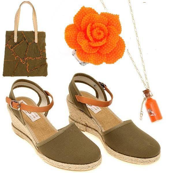 В дополнение к эспадрильям цвета хаки - Джинсовая сумка,цвета хаки с оранжевым узором. Ожерелье со стеклянной бутылочкой, наполненной цветным песком и ракушками, на золотой металлической цепочке. Кольцо с акриловым цветком, оранжевого цвета.