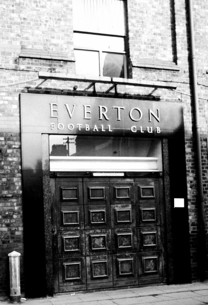 Soccer - Football League Division One - Everton