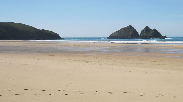 Discover hidden surprises at the National Trust's Holywell beach, Cornwall.